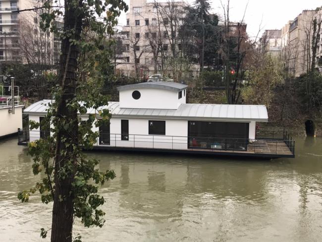 Maison flottante dans Paris - Yacht Design Collective